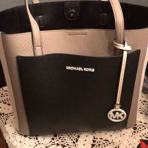 Fun Michael Kors Purse